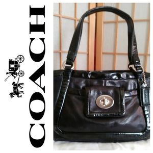 👜Coach Cricket Black Patent Trim Leather Purse